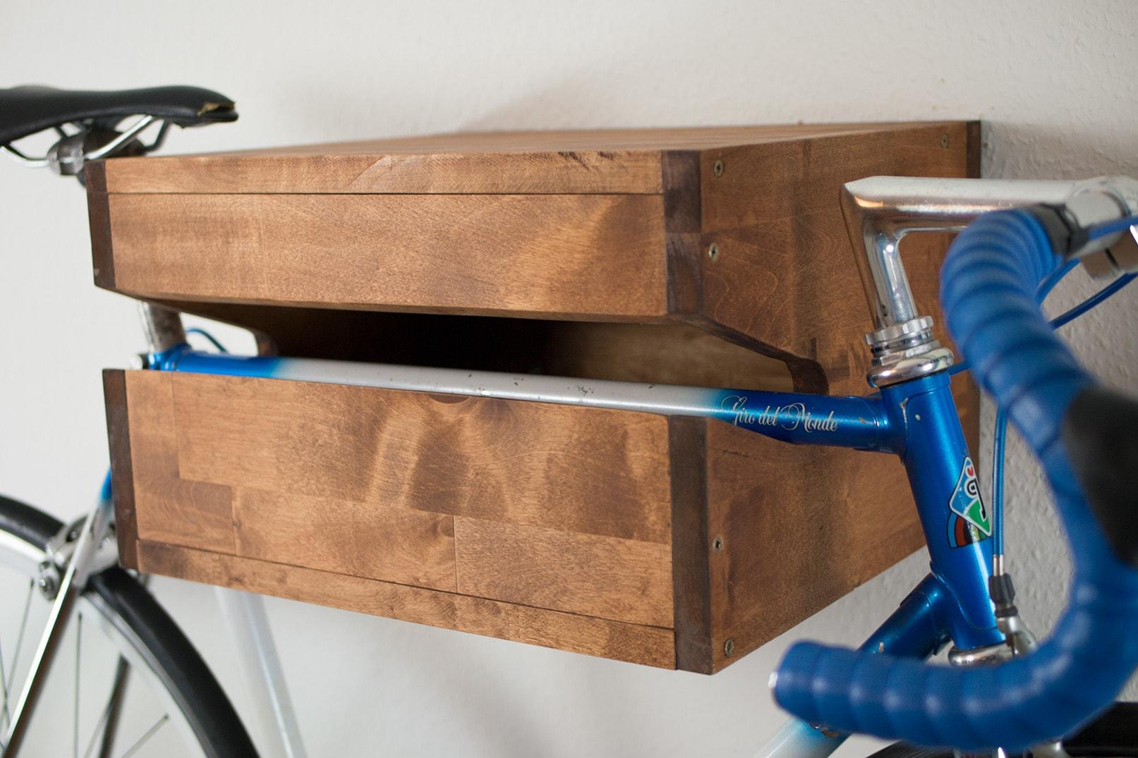 fahrrad wandhalterung selber bauen anleitung fotos. Black Bedroom Furniture Sets. Home Design Ideas