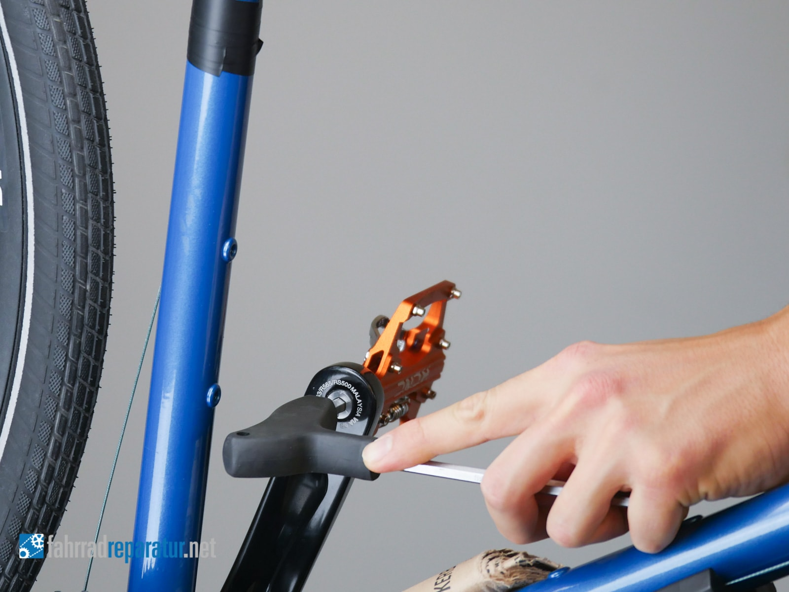 pedale abschrauben richtung